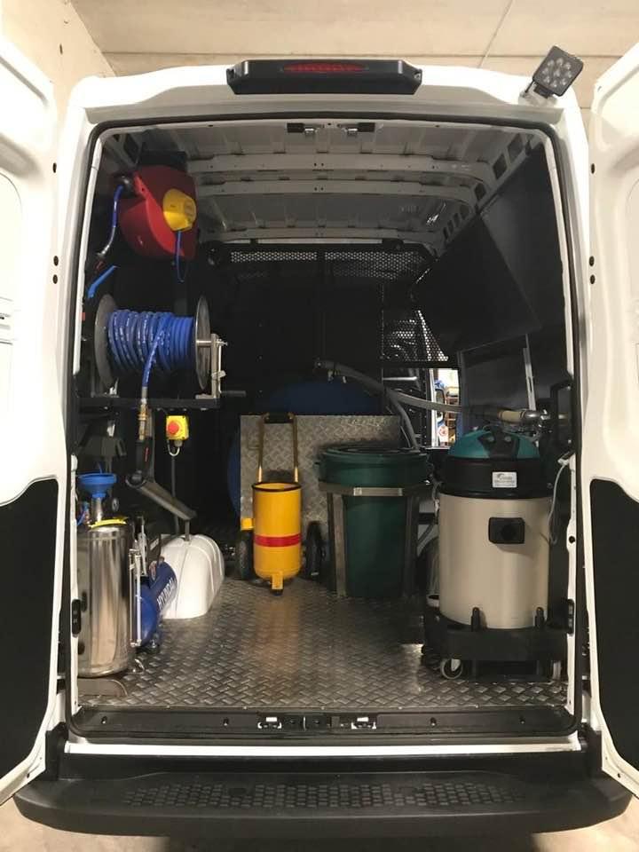 Veicoli e attrezzature per l'igiene urbana, pulizia e sanificazione